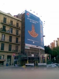 Sagrada Familia y Domino's pizza