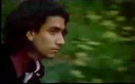 Sayid en un video de david Bowie de 1995