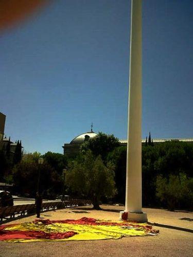 Caída Bandera plaza de Colón